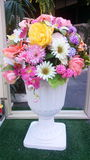 Vaso dei fiori falsi Fotografie Stock