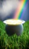Vaso dell'arcobaleno dell'oro Immagini Stock Libere da Diritti