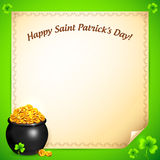 Vaso dell'oro dei leprechaun con la cartolina d'auguri dei trifogli Immagine Stock Libera da Diritti