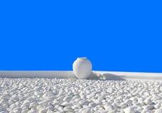 Vaso di argilla come elemento di progettazione fotografia stock libera da diritti