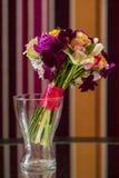 Vaso di fiore con il mazzo Fotografia Stock Libera da Diritti