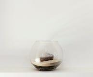 Vaso di vetro con la candela fotografie stock