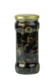 Vaso di vetro con le olive nere affettate Immagini Stock Libere da Diritti