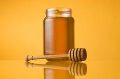 Vaso e merlo acquaiolo del miele immagine stock