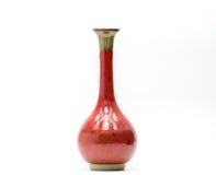 Vaso moderno da cerâmica com os testes padrões bonitos isolados fotos de stock royalty free