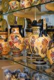 Vasos gregos, lembranças em Plaka, Atenas Imagem de Stock