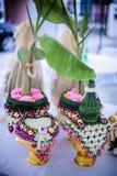 Vassoio del fiore con nozze del banano Immagini Stock