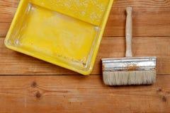 Vassoio della pittura e della spazzola Fotografia Stock Libera da Diritti