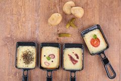 Vassoio di formaggio fuso e patate Immagini Stock