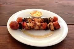 Vassoio di kebab immagini stock libere da diritti