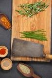 Vassoio di legno con gli ingredienti Fotografia Stock