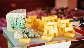 Vassoio di selezione del formaggio Immagine Stock