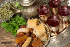 Vassoio di tè marocchino Fotografie Stock