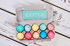 Vassoio e carta dell'uovo di Pasqua Fotografia Stock Libera da Diritti