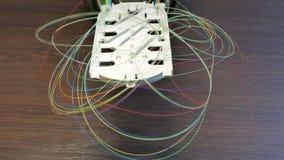 Vassoio ottico con le fibre colorate fotografia stock libera da diritti