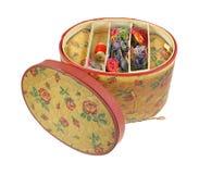 Vassoio superiore di cucito d'annata della scatola fotografia stock