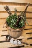 vassoura natural do banho em uma sauna fotografia de stock