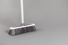 Vassoura plástica Gray Background Foto de Stock