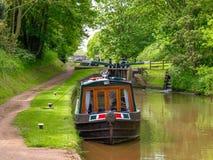 Vastgelegd narrowboat op het de Unie van Shropshire Kanaal stock afbeelding