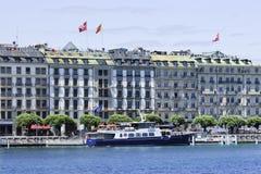 Vastgelegde cruiseboot voor luxehotels, Genève, Zwitserland Royalty-vrije Stock Afbeeldingen
