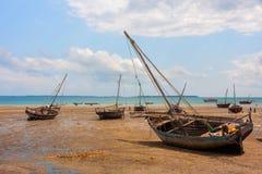 Vastgelegde Dhow traditionele varende schepen Royalty-vrije Stock Afbeeldingen