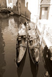 Vastgelegde gondels in Venetië Royalty-vrije Stock Afbeeldingen