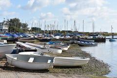 Vastgelegde kleine boten Stock Fotografie