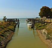 Vastgelegde vissersboten, talmont-sur-Gironde Frankrijk Stock Afbeelding