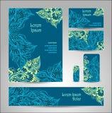 Vastgesteld Malplaatje met krabbelbloemen in blauwgroen stock illustratie