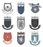 Vastgesteld merk, sportclub, studentenclub, heraldisch schild, koninklijk, hotel, veiligheid, volledige vectorembleeminzameling e Stock Afbeeldingen