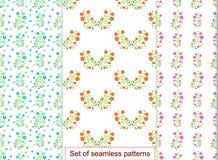Vastgesteld naadloos patroon met rode bloemen Voor ontwerp, mede behang, Royalty-vrije Stock Afbeeldingen
