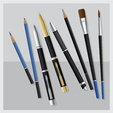 Vastgesteld Realistisch 3D Pen en Potlood en Bedrijfspen en Penseel en Tekeningspotlood en koppeling-Type potlood Royalty-vrije Stock Foto's
