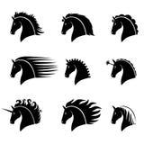 Vastgesteld silhouet van een mooi paardhoofd vector illustratie
