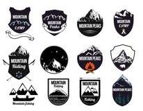Vastgestelde bergenembleem, etiketten en ontwerpelementen Stock Afbeelding
