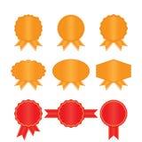 Vastgestelde gouden en rode etiketten Royalty-vrije Stock Afbeelding