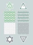 Vastgestelde kaders en pictogrammen van driehoeken op achtergronden met een eenvoudig patroon Eenvoudige zwart-wit concepten Royalty-vrije Stock Foto's
