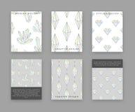 Vastgestelde malplaatjes voor druk met kristallen en diamanten Bergkristallenkrabbel Stock Foto