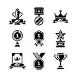 Vastgestelde pictogrammen van toekenning en trofee Royalty-vrije Stock Afbeeldingen