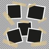 Vastgestelde uitstekende, retro fotokaders met plakband Uitstekende stijl Vectordieontwerpelementen op transparante achtergrond w stock illustratie