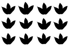 vastgestelde zwarte die esdoornbladeren op witte achtergrond worden geïsoleerd royalty-vrije stock afbeelding