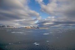 Le Svalbard avanti Fotografia Stock