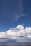 Vasto cielo di vista sul mare Fotografia Stock Libera da Diritti
