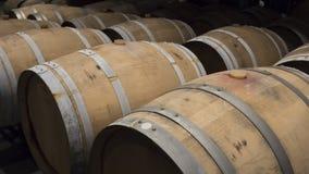 Vaten in een wijnkelder stock foto's