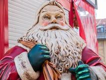 Vater-Christmas-Verzierung außerhalb eines Speichers Lizenzfreies Stockbild