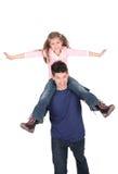 Vater, der mit Tochter spielt Stockfotografie