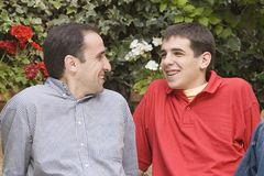 Vater mit seinem Sohn Stockfotos