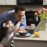 Vater mit Tochter. Lizenzfreies Stockfoto