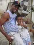 Vater und Sohn, alles ist fein lizenzfreies stockbild