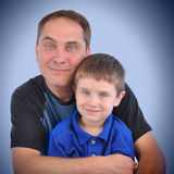 Vater-und Sohn-Familien-Portrait Lizenzfreies Stockbild