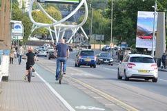 Vater- und Sohnradfahren Lizenzfreie Stockfotografie